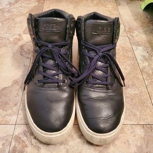 Men Clae Shoes sz 10.5